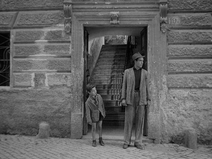 Enzo Staiola and Lamberto Maggiorani in 'The Bicycle Thief' (1948)